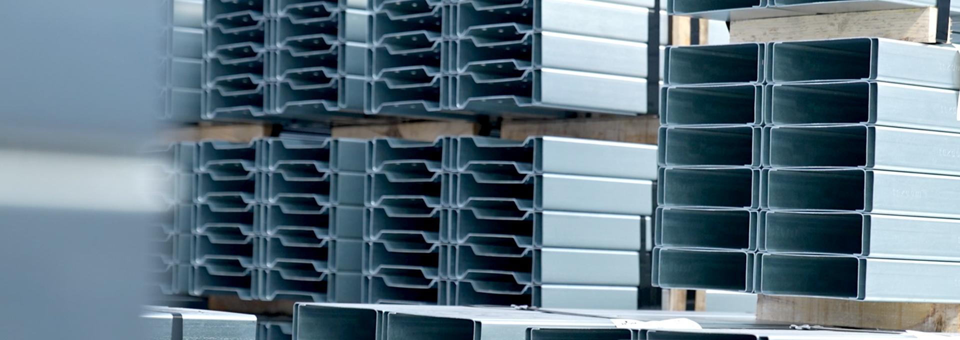 Foto de video de portada de la home de la web de Brausa, fabricante de perfiles de acero conformado en frío